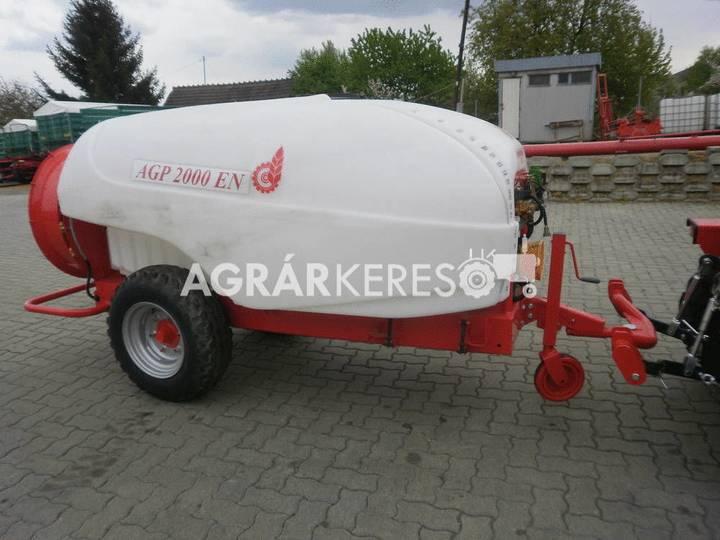 Agromechanika AGP-2000 EN trailed sprayer - 2018