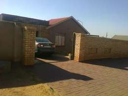 Three bedroom with garage to rent in Protea Glen Ext 11 available now