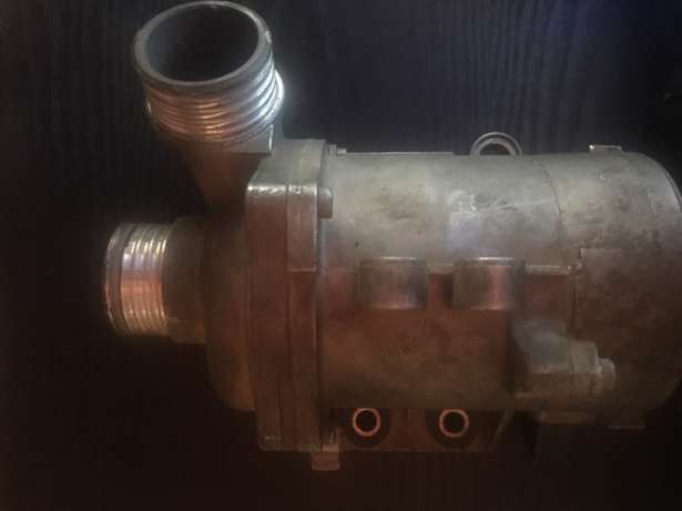 bmw 325i water pump and thermostat for sale Witbank - image 1