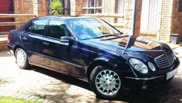 Mercedes Benz E320 Elegance - 2nd owner - Automatic, Sunroof, Towbar