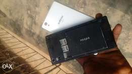 Infinix hot 2 neat and clean