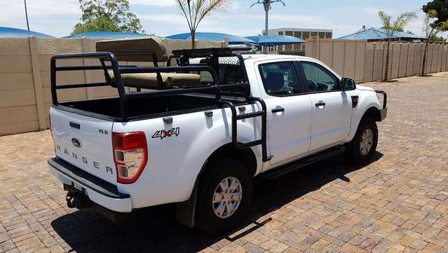 Ford Ranger D/Cab 2,2 XLS 4X4 With Cattle rails and Hunting Seats Kempton Park - image 5