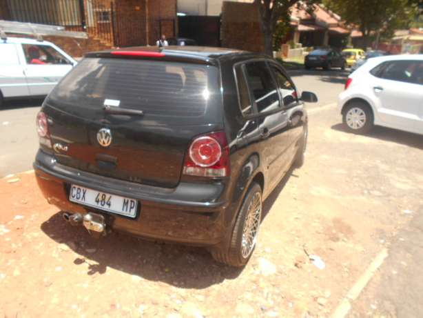 Immaculate condition 2007 VW Polo 1.4 Hatch with mags and sound Johannesburg - image 5