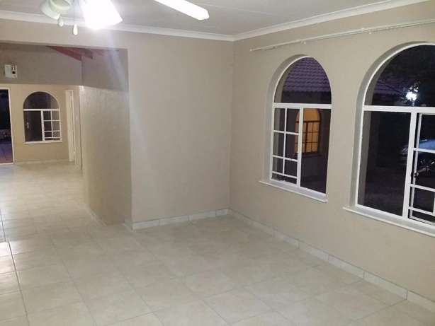 Sharonlea 3 Bedroom House Available for Rent Sharonlea - image 6