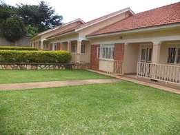 Special 2 bedroom 2 baths house in Mbuya at 600k