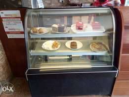 Cake display with chiller