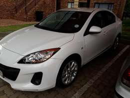 Mazda 3 1.6 dynamic 2013 still under warantee