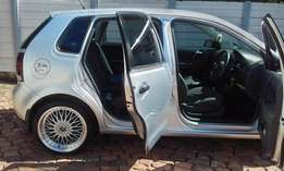POLO VIVO 1.4 With mag rims and sound system