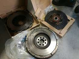 Toyota 3 l hilux clutch kit and fly wheel