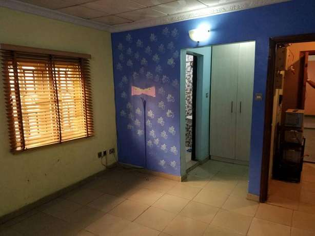 2 bedroom at oko oba housing estate,all room ensuit. Ojodu - image 5