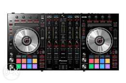 Pioneer Pro DJ Turn Table. DDJ-SX2 DJ Controller