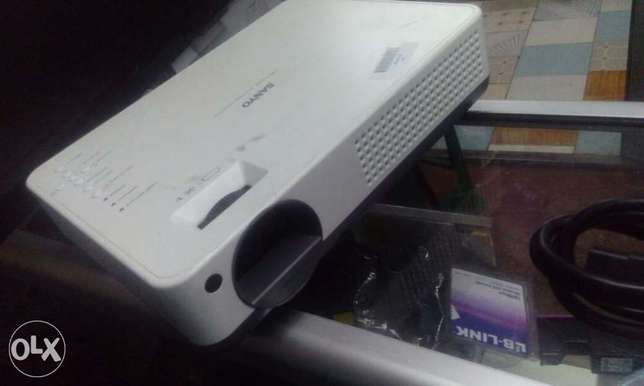 High Quality EX-UK Projectors Nairobi CBD - image 1