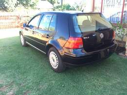 VW Golf 4 Black 2L Automatic for sale, in pristine condition.