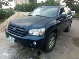 Neatly Used 2005 Toyota Highlander 4WD