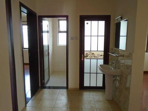 Elegant 3 bedroom apartment for sale - Loresho Nairobi CBD - image 7