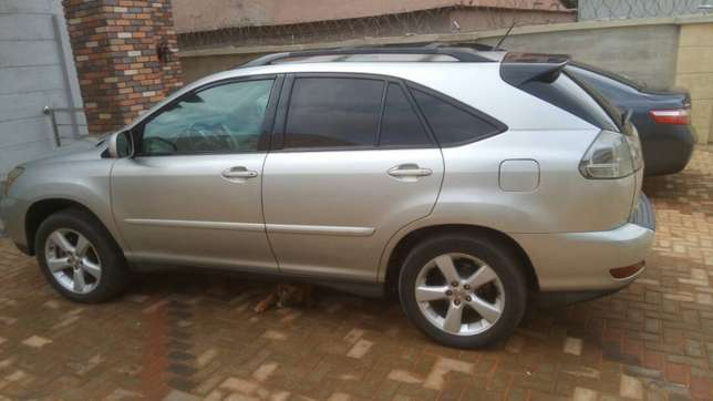 Lexus RX 330 price dropped to sell fast. Oshimili North - image 3