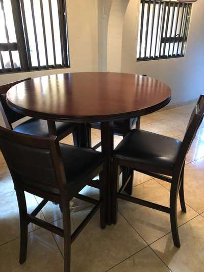 Amazing Kitchen Table And 4 Bar Stools Theyellowbook Wood Chair Design Ideas Theyellowbookinfo