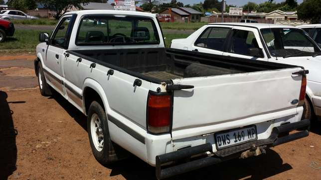Ford Courier 2.5 Diesel Witbank - image 4