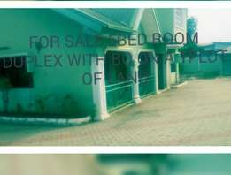5bed room duplex with bq on on a 2plot of land