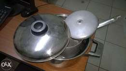 two non-sticking Cooking Pots