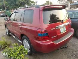 05 Toyota Highlander ( Full Option)