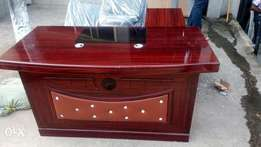 Exclusive 1.2meter office table