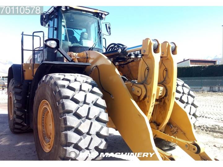 Caterpillar 982M 1 year Factory warranty included - demo machine - 2016