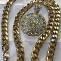 Pure solid 18karat Cuban chain an pendat gold for