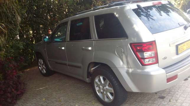 JEEP GRAND CHEROKEE local on sale. Going for 2.3m Nairobi CBD - image 2