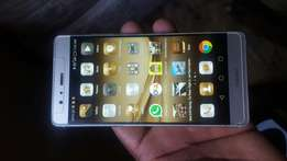Huawei P9,32gb,dual sim,dual camera.gold color