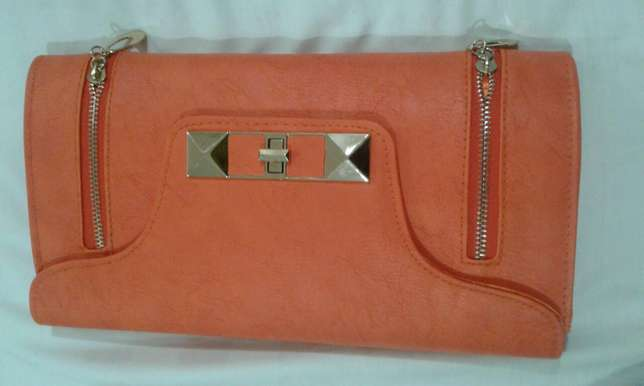Leather clutch bags. Can be sling bag too Nairobi CBD - image 8