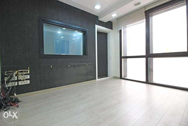 242 SQM Office for Rent in Mirna Al Chalouhi, OF8770