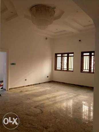 Standard brand new four bedrooms serviced duplex at diploma zone Abuja Abuja - image 4