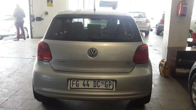 2012 VW Polo 6 Comfortline 1.6 Available for Sale Johannesburg - image 3