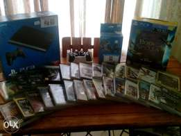 Ps3 500gb console, 2 ctrls 2 move ctrls, 2 PS eye's & 30 games