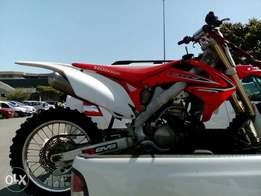 Honda crf 250r with brand new enjine and much more.