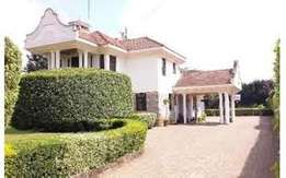 Karen 5 bedrooms house with double servant quarters.vacant.