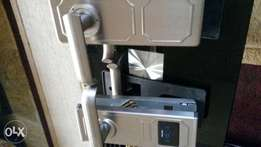 Electronic door lock with card