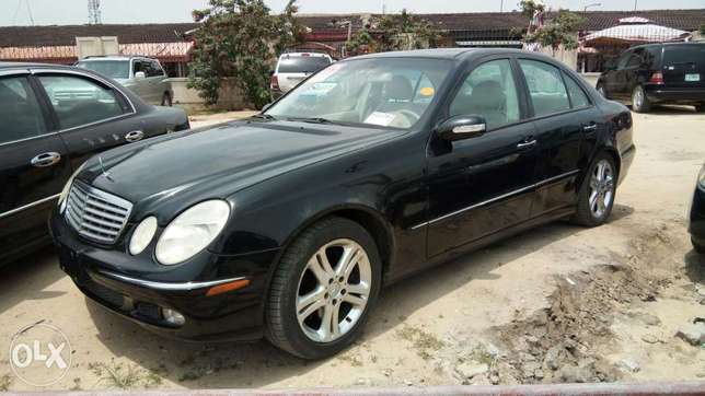 Clean Foreign Used 2004 Merc-Benz E500 4Matic With Leather Navigation Lekki - image 1