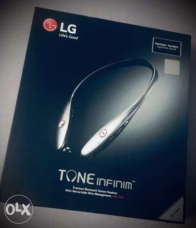 LG Bluetooth Stereo Headset - HBS 900 (Like Brand New)