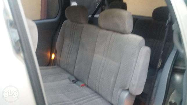 A super clean Toyota sienna new arrival for sale Lagos Mainland - image 5