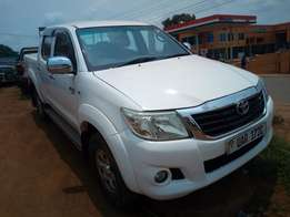 Toyota Hilux Vigo model 2010 diesel manual in excellent condition