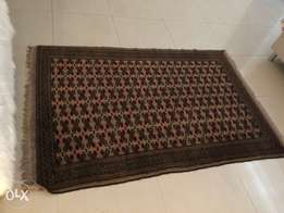 Persian Rug size is mentioned - Pure wool