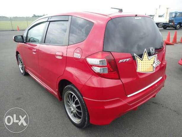 Honda fit 2010 - fully loaded with DVD screen Mombasa Island - image 2