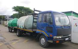 2007Nisaan UD60 with 5000 liter water tank and Swift Trail Trailer