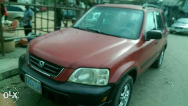 Clean Honda CRV with chilling AC Uvwie - image 3