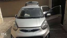 Neatly used kia picanto 2013 model