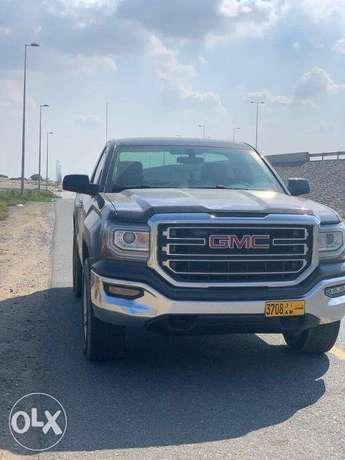 GMC Sierra Automatic 8 cylinders Gray Color