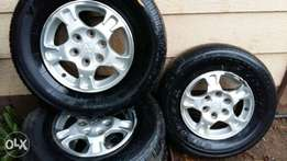 5xpajero mags and tires