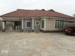 Newly built 4bedr bungalow